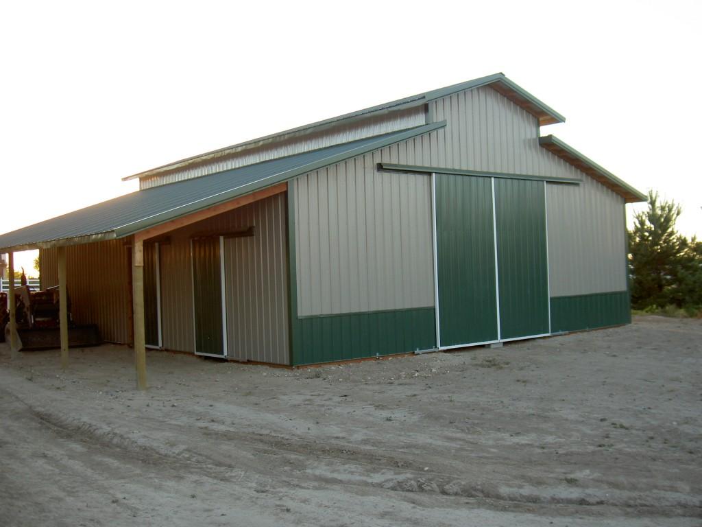 Barn doors freight and barndomonium hansen buildings for Residential pole barn kits