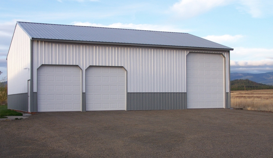What to Consider in a Post Frame Garage Door