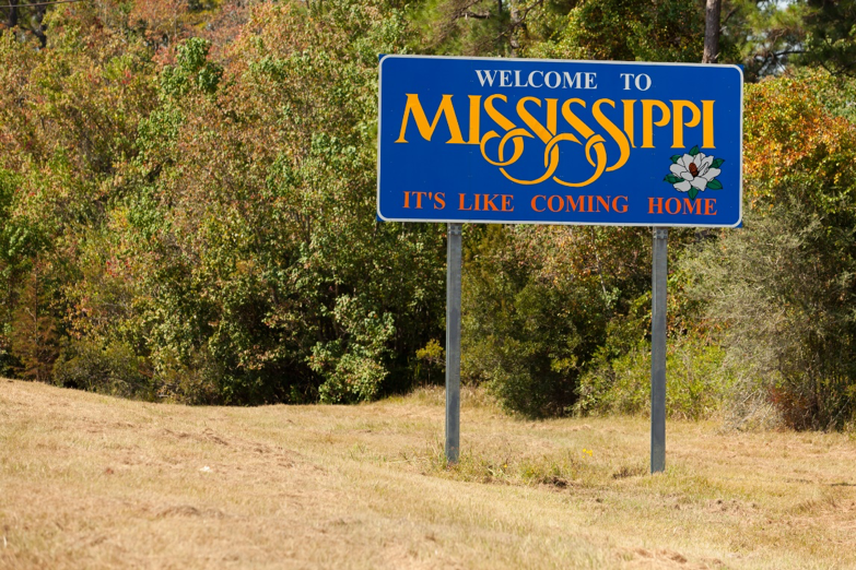 Welcome to Mississippi state sign along the side of the highway