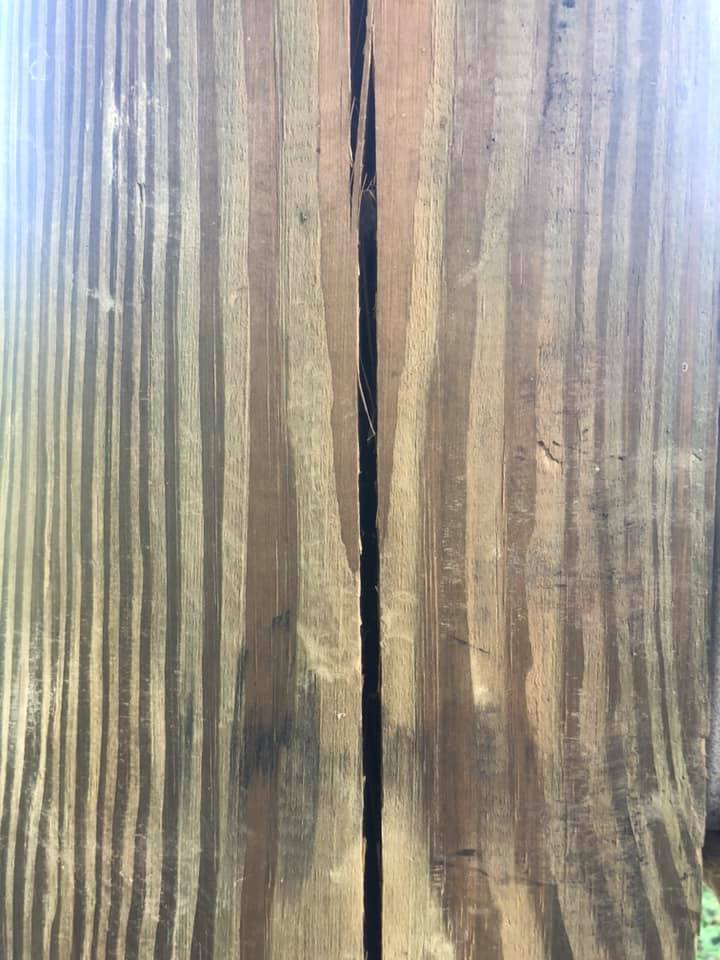 Checks and Splits in Post Frame Timbers